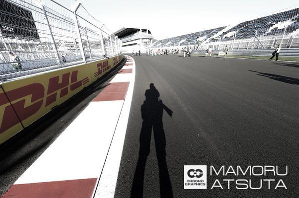 初開催ロシアグランプリ。 可夢偉選手も参戦する事が決定しているこのグランプリに日本人カメラマンは僕だけです・・・ 1991からのF1取材で2度目の事です・・ 頑張ります! http://t.co/qiDc7vhFAQ