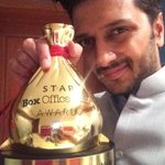 Yayyyyy @Riteishd: Game Changer of the Year - Thank you Star @boxofficeindia for the award. http://t.co/2Z7PT2jNdc""