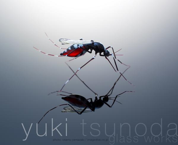 先日RTしたガラス作家のつのだゆきさん @tunoda_yuki は、僕が講師をしている女子美術大学の卒業生です。 http://t.co/MHWu0Db74B