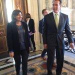 RT @Anne_Hidalgo: C'est à @Paris que @Schwarzenegger installe le siège du R20, son association pour le #climat http://t.co/C6C0E8JtGp