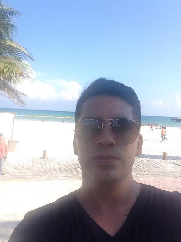 Arturo Vargas Rios (@LosPrimosArturo): En el mar la vida es más sabrosa http://t.co/ENggnxfrFQ