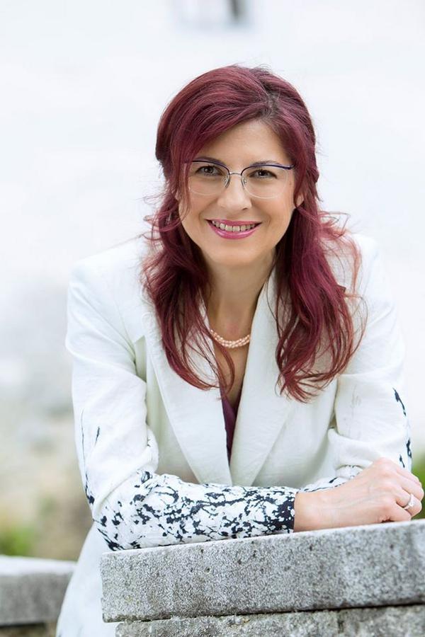 PhD in nuclear physics, twice MEP, ITRE member, woman, Slovenian. http://t.co/NNFruHNtwF #bratusek #bulc @romanajordan.