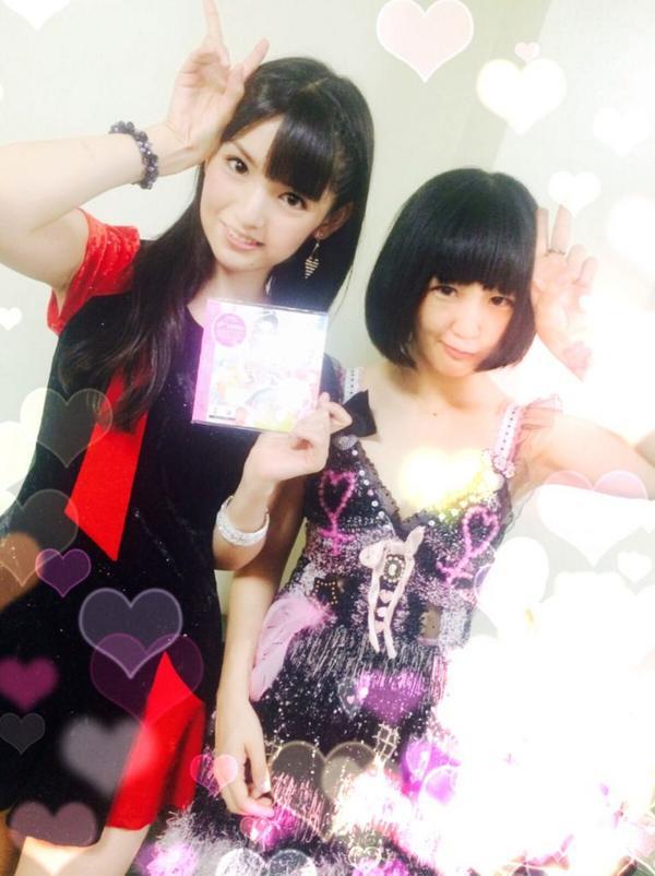 本日24:10~【NHK】「MUSIC JAPAN」大森靖子出演します。  モーニング娘。'14さまと、、道重さゆみさまと共演できて幸せでした(/ _ ; ) 写真は鈴木香音ちゃんが「私撮りますよ!」って3回言って撮ってくださった…! http://t.co/GS6mKmUynA
