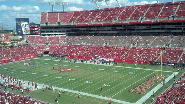 Nestor: No one left in Tampa at 38-0 game as 2nd half kicks off... #Ravens #Bucs http://t.co/i26jopDoEy