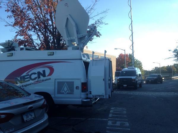 Media at scene @ Harvard Vanguard #braintree #hazmat http://t.co/KP6g5iayNp