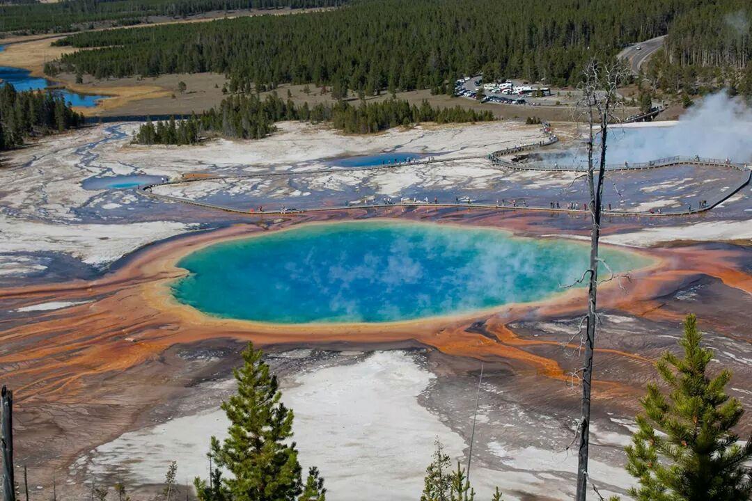 RT @astrojulecho: Gran Piscina Prismática de Yellowstone. Una auténtica maravilla para los sentidos http://t.co/6StgXxW6yX