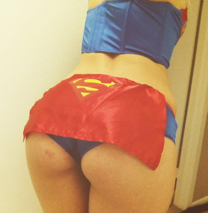 #SuperBooty #Supergirl?? http://t.co/MUAetZq5rL