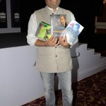 RT @HarperCollinsIN: #VishalBhardwaj with his copies of the #screenplays of #Haider #Omkara and #Maqbool. http://t.co/irCWFzfPjN http://t.c…