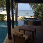 Beautiful view to wake up to @AngsanaHotels #sorrynotsorry http://t.co/n8v428QW0B