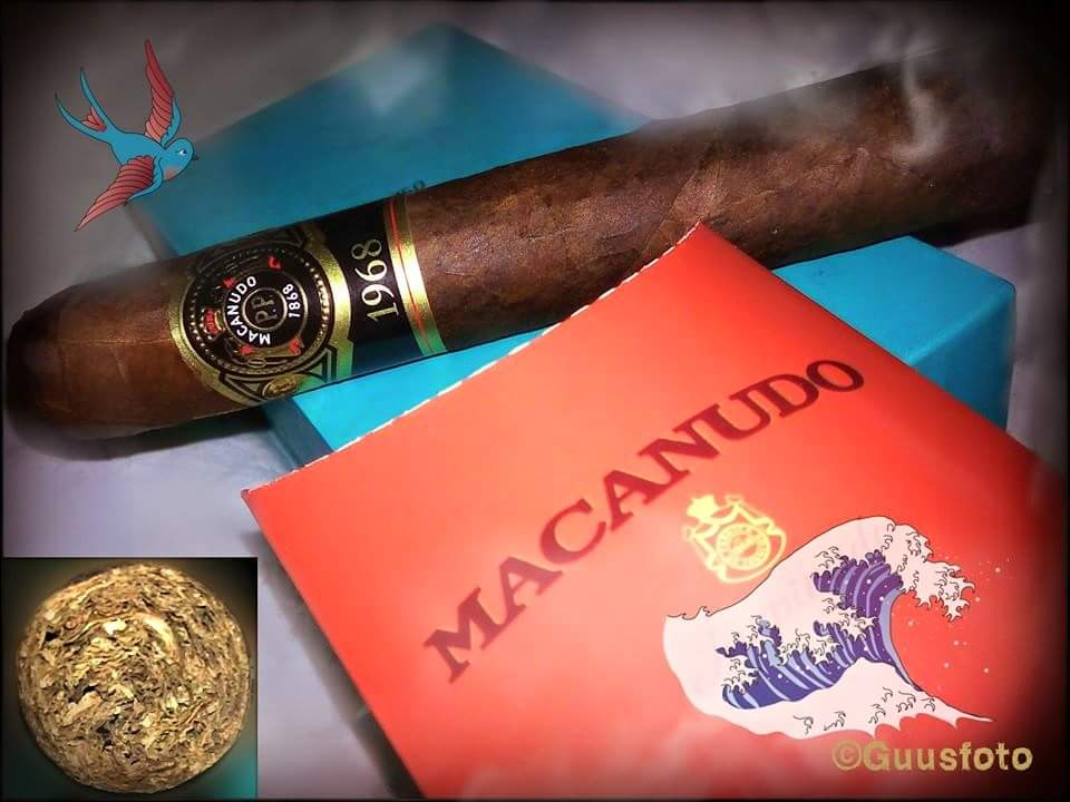 @macanudo 1968 # Gigante love this special taste 💨👉😎👈@cigarweekly @jefslat @SmoothDraws @CigarChairman @BriceSikes @ParadigmPres @nhale1300 https://t.co/BZfMPHA2Wq