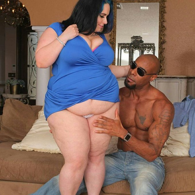 1 pic. So this girl will be back in Miami the 18-20 to shoot with  @plumperpass 😉#BBC #BBW #IRSLUT #BBCSLUT