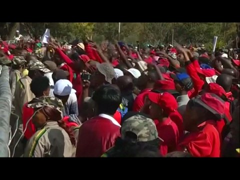VIDEO -  May Day in South Africa: Zuma forced to leave rally after being heckled