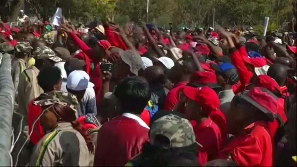 EYE ON AFRICA - May Day in South Africa: Zuma forced to leave rally after being heckled