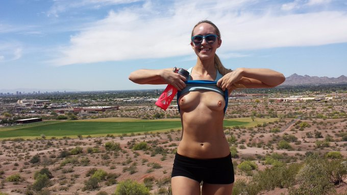 2 pic. Flashing my tits & ass after a hike in Arizona! ♥ https://t.co/lqLpcmt0G4