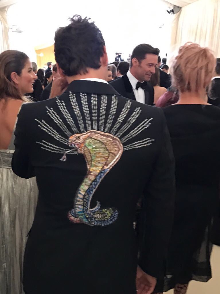 Must study competition. There be mutants here #Wolverine #metgala @RealHughJackman https://t.co/WDZbUaEdZU