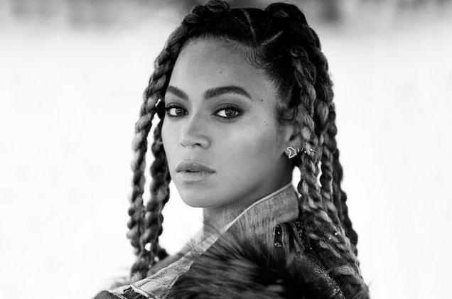 Beyoncé is dropping a $300 Lemonade box set https://t.co/LvsfJQepM3 https://t.co/R6mATZRkxV