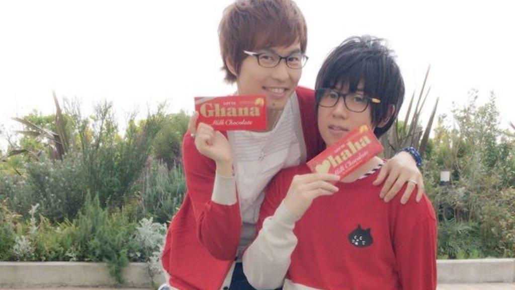 山下大輝さん&代永翼さんの赤とメガネの双子コーデ!『弱虫ペダル』×ロッテガーナイベントの写真公開!