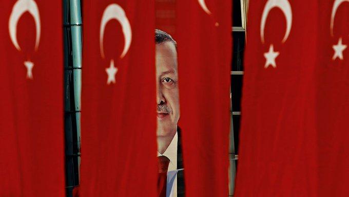 Na Turquia, Erdogan extingue o parlamentarismo e aumenta a repressão a opositores. https://t.co/wASSgxHY4h