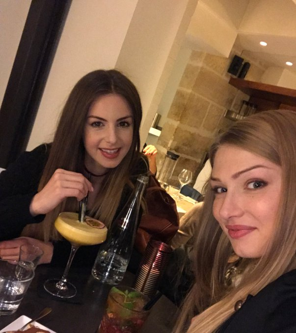 1 pic. Pornstar martini with @lucyheart_x 🍹🍸 https://t.co/X6r4k1ktRM