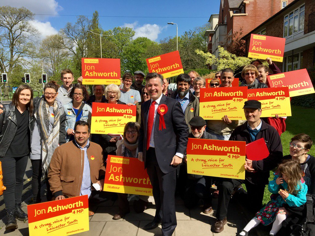 Here you go twitter chums. We're hitting the #labourdoorstep in Clarendon Park this morning #VoteLabour https://t.co/he14mJiUII