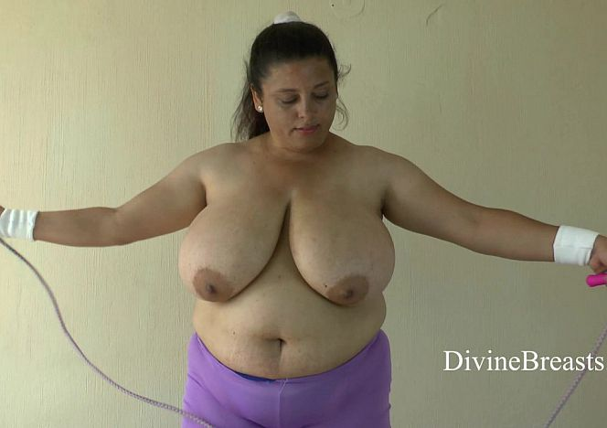 Rose #bigtits Jumping Rope see more at https://t.co/DiUpnvNm2I https://t.co/w2wrb640Ti