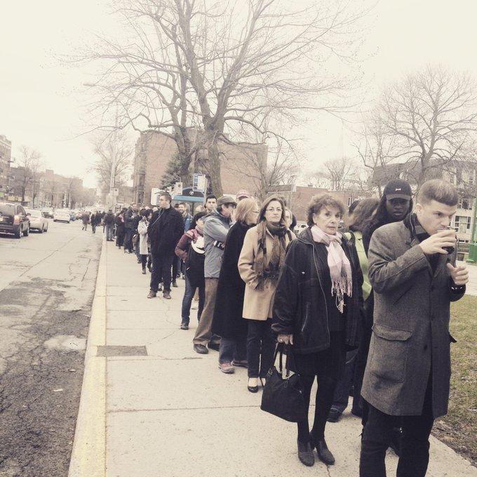 Présidentielle : les Français de Montréal font la queue pour voter via @Competia  https://t.co/1u91Y1u3qv