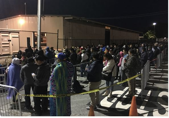 Hundreds already in line for free dental care in San Mateo this AM.  Clinic can handle 1k per day.  #SanMateoEventCenter