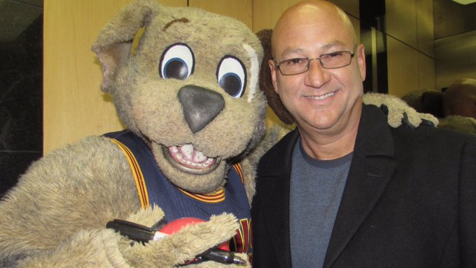 Happy 43rd Birthday to my buddy Terry Francona. Let\s celebrate by beating the White Sox tonight!