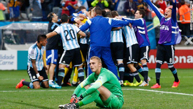Happy birthday to the great Jasper Cillessen! Thanks for being part of one of the best moments of my life!