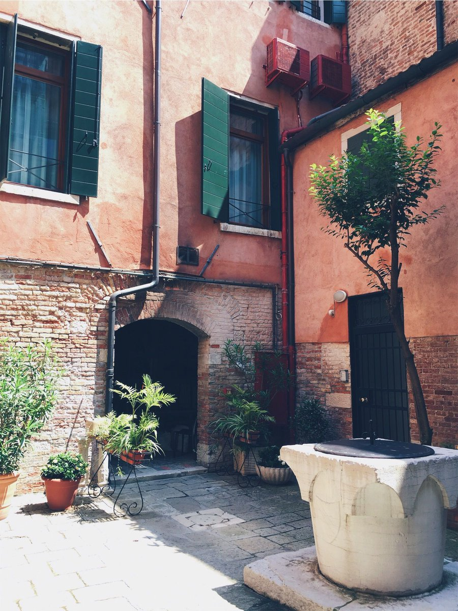 RT @TravelVSCO: Venice, Italy 🇮🇹 https://t.co/xUJOUC5tRs