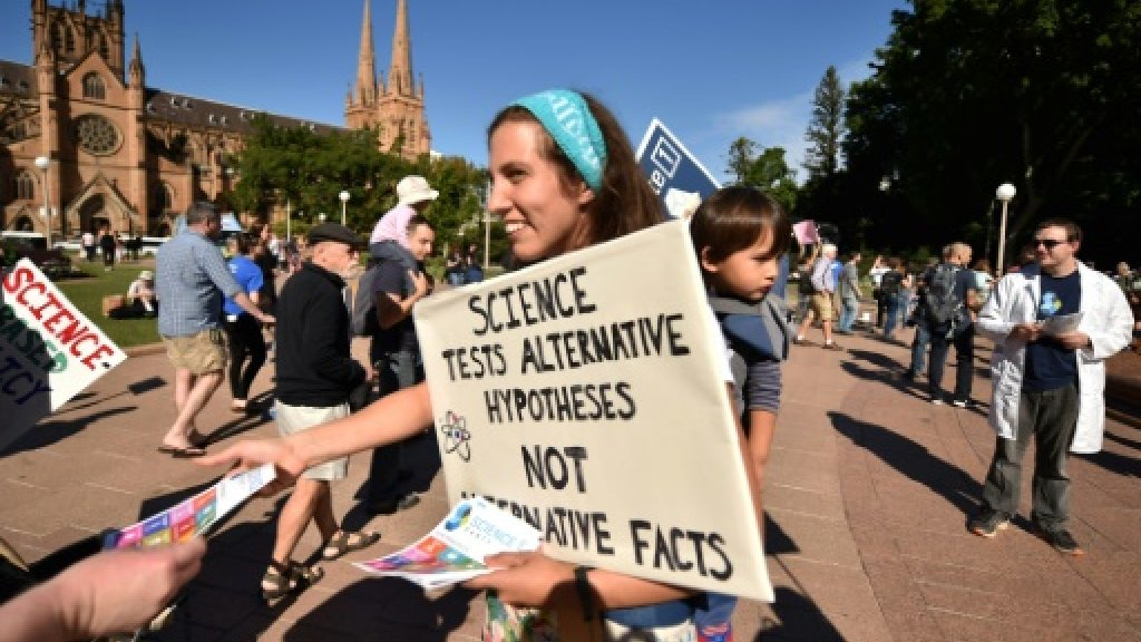 Thousands join March for Science rallies over 'alternative facts'