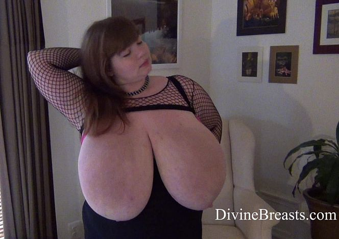 Lexxxi Luxe Giant Breasts #bbw see more at https://t.co/36VCb40JBy https://t.co/Fp1utHbvK7