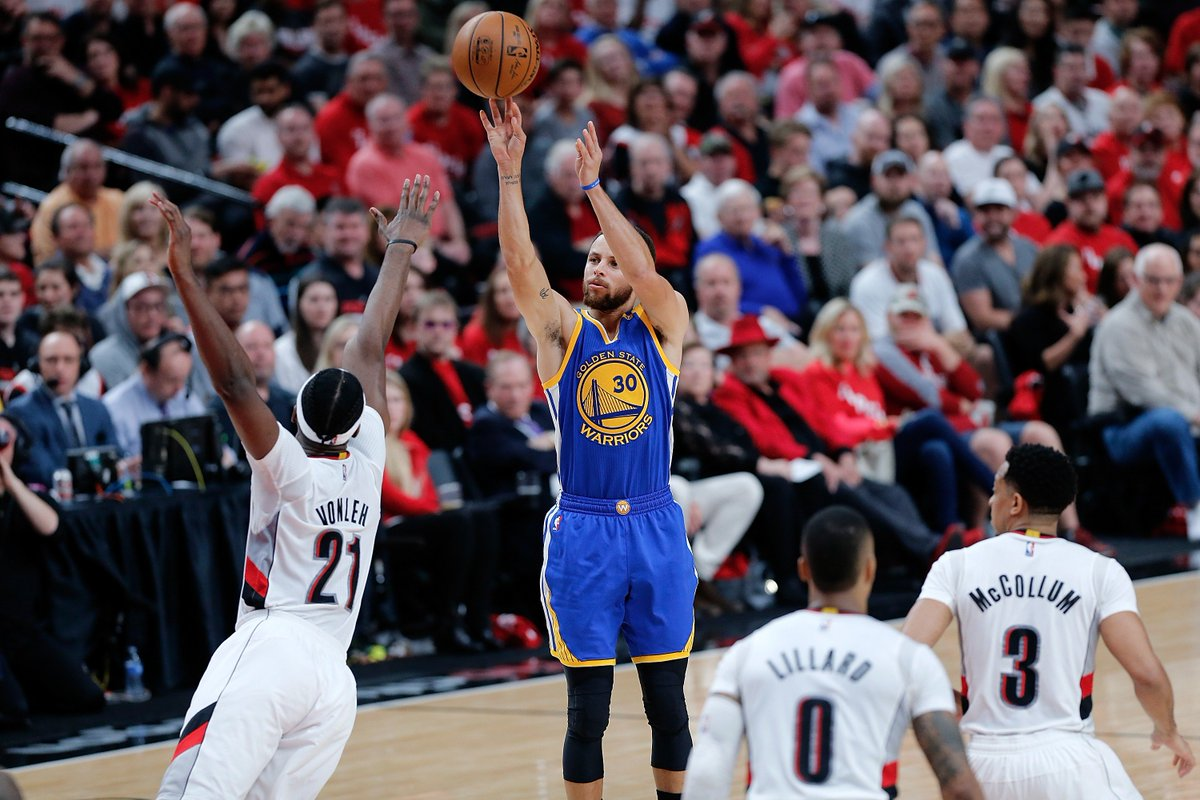 Dubs take a 3-0 series lead.Warriors defeat the Blazers, 119-113Steph 34pts/8asts