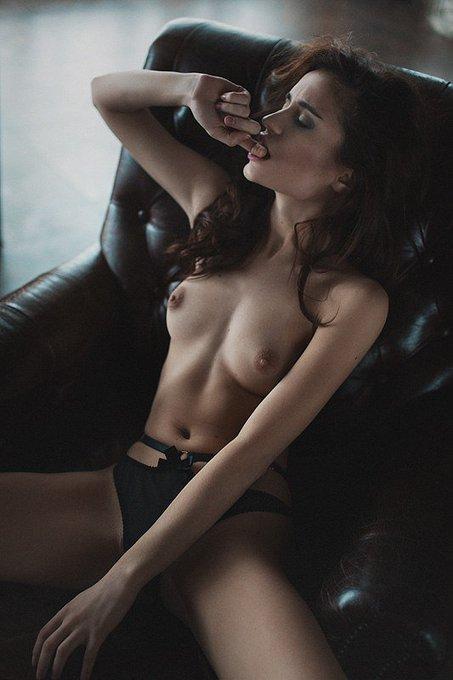 Фото голой александры урсуляк