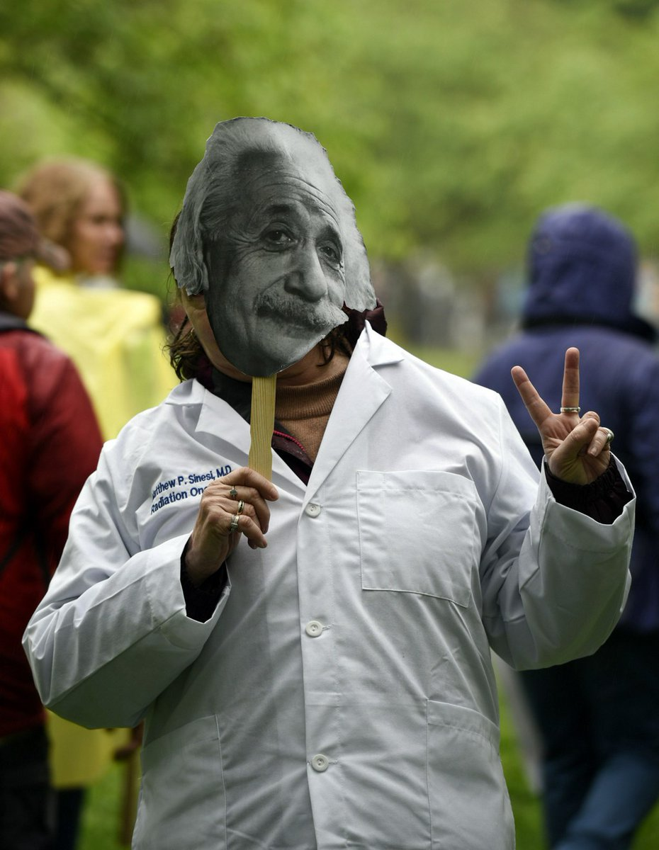 Brandenburg Gate to the Washington Monument: Worldwide marches push for science over politics