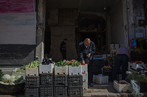 Aleppo começa a renascer de ruínas da guerra com retorno de moradores https://t.co/R3subL3BVb