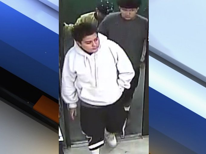 Recognize them? Silent Witness looking for men who robbed west Phoenix Circle K in March. https://t.co/xtxcw2sAaW #abc15