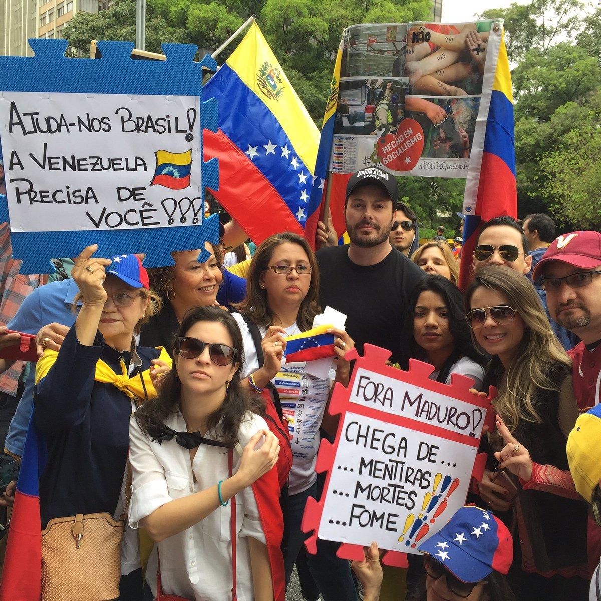 #fueramaduro #foramaduro #Venezuela - Ditador @NicolasMaduro é assassino.