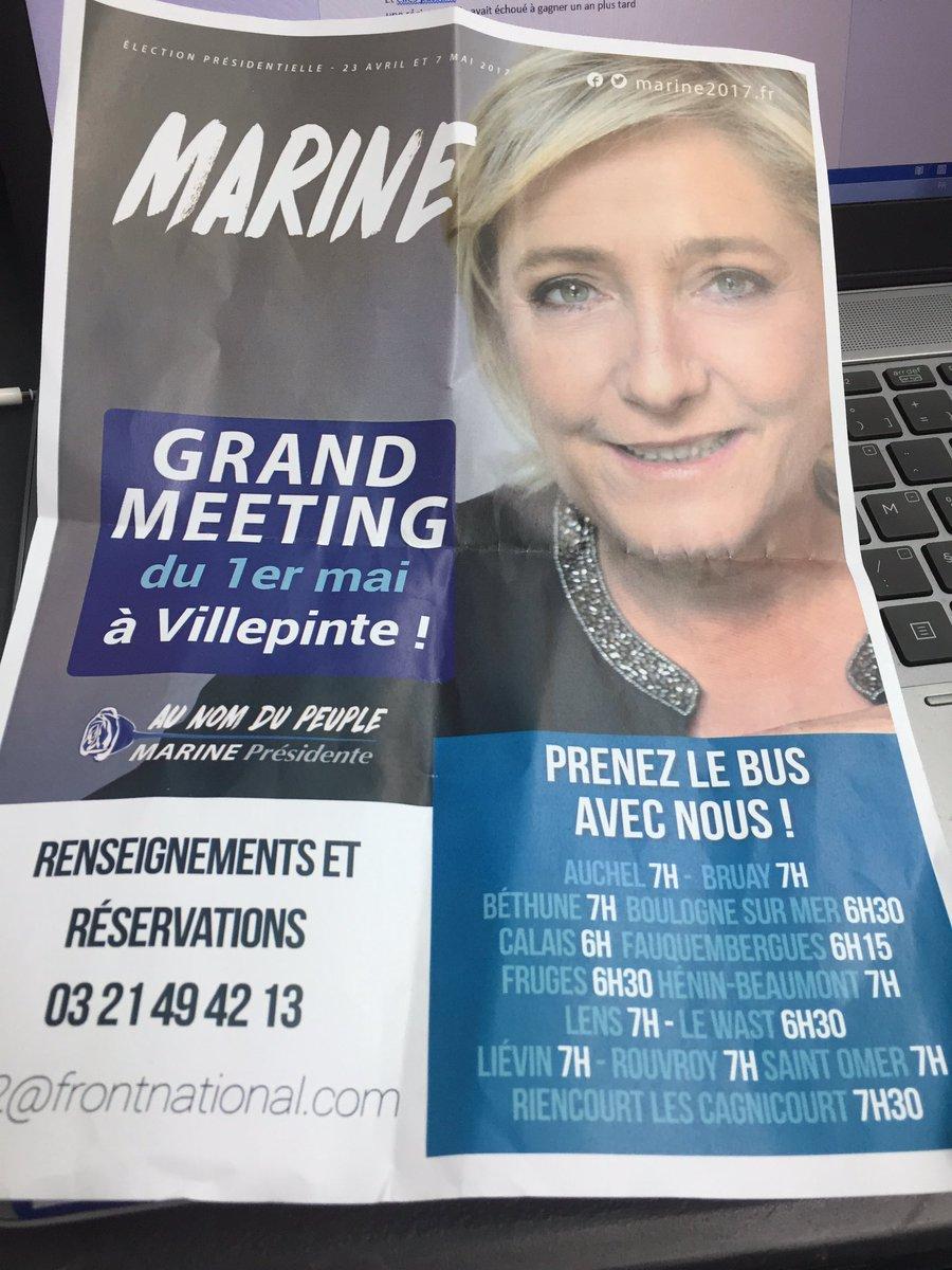 #RTLFlashActu Chez @MLP_officiel confiance absolue dès l'entrée à l'espace François Mitterrand avec la distribution de ce tract :