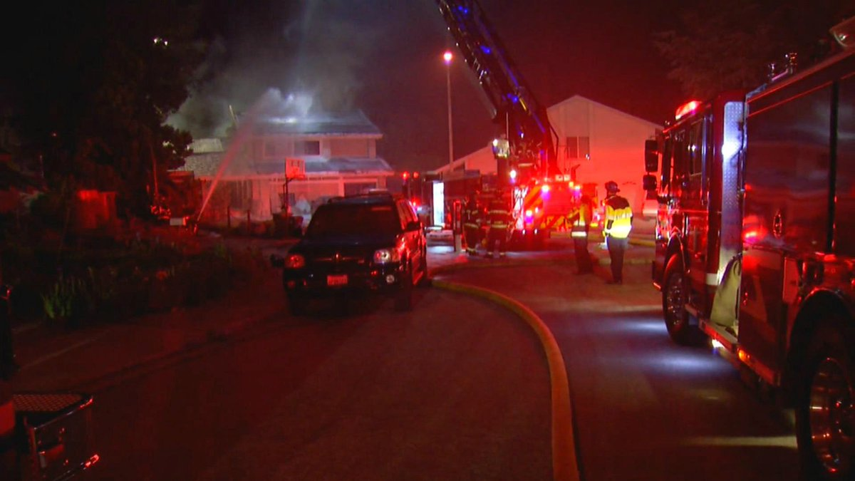 Unattended candle blamed for two-alarm fire in Sunnyvale. https://t.co/CnCv7cedTi