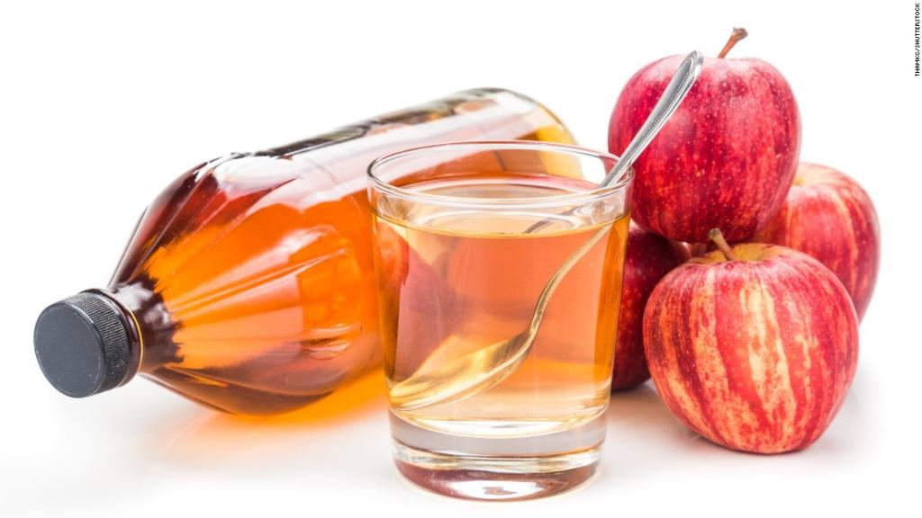 Here are 10 of the top ways people are using apple cider vinegar and what the science says https://t.co/gMLoNVBrQc
