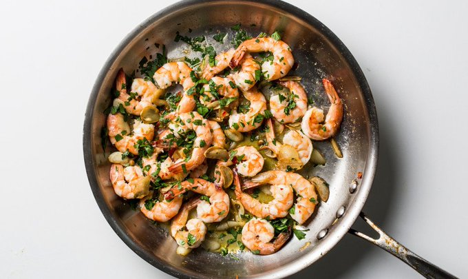 There's a clove of garlic for every shrimp in this recipe #buddysystem https://t.co/TRF7kwyI1S