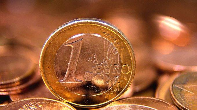 #Presidentielle2017 : l'euro en forte hausse après le premier tour https://t.co/6cwz8JNreF