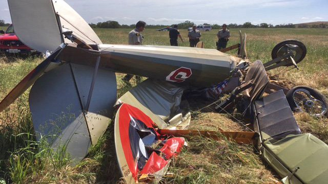 The pilot of a WWI-era replica biplane died in a crash shortly after takeoff in Paso Robles. https://t.co/YpXV49ztaJ