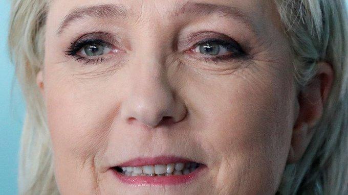La coordinatrice de la campagne de #Fillon a annoncé qu'elle votera #MarineLePen pour 'battre #Macron'  https://t.co/sTDCDmtdBk