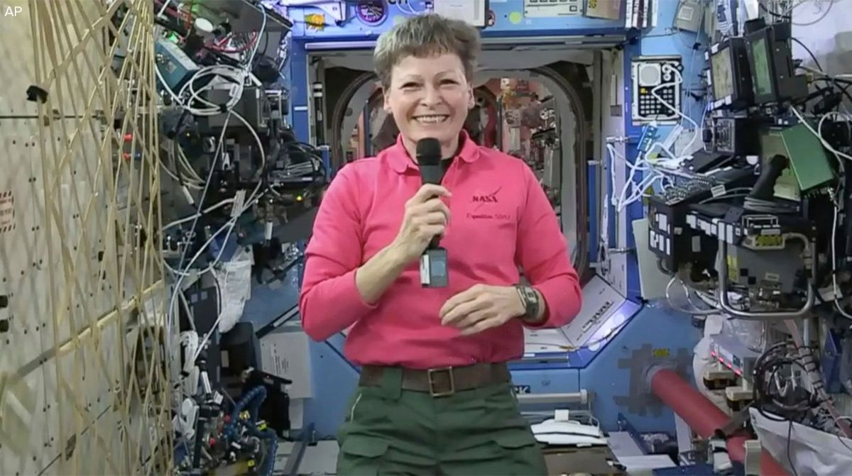 NEW: U.S. astronaut Peggy Whitson has broken the American spaceflight record for cumulative time in space. https://t.co/GTnzIPy2Za