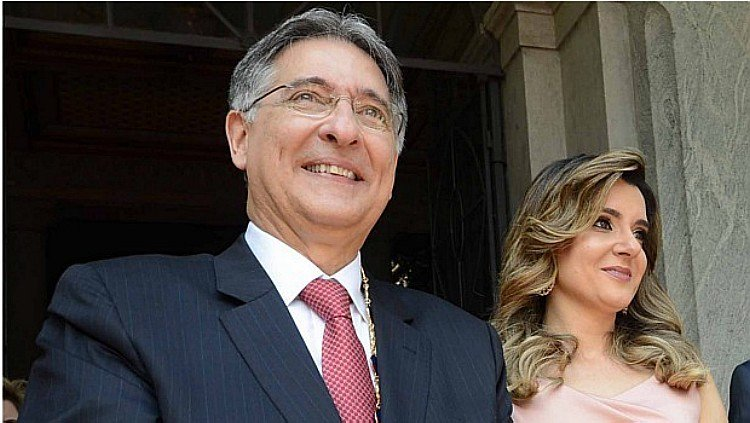 EXCLUSIVO: PF indicia primeira-dama de Minas por corrupção (Via @colunadoestadao) https://t.co/KsGsvGB7g8