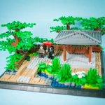 ジオラマMOC-言の葉の庭 完成、ミリタリー以外の作品は始めて作りました。今回はタカオとユキノのミニフィグも作りました。