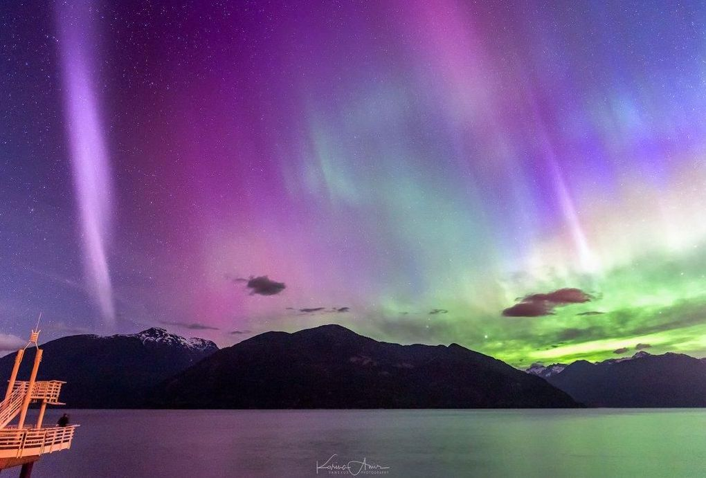 Images of the mysterious purple 'aurora' light Steve https://t.co/FClwf9BX5G