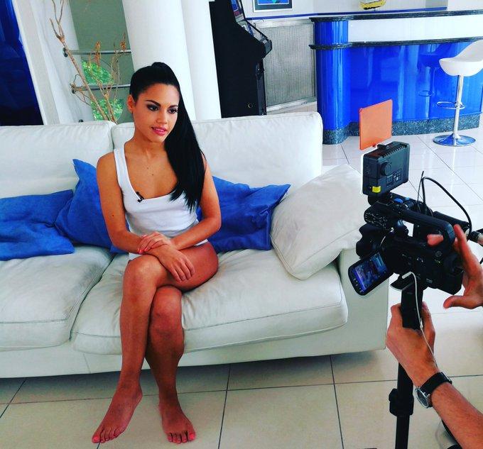 2 pic. entrevista para DorcelTV  @dorcel_XXX @dorcel https://t.co/cEuitKznai